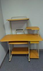 Шкаф-стеллаж и компьютерный стол